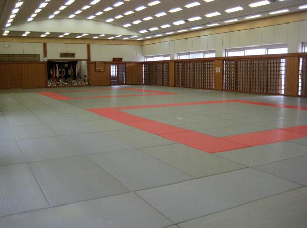 川之江体育館 | 財団法人 四国中央市スポーツ協会